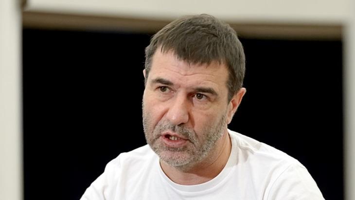 Евгений Гришковец: «Стараюсь любить родину. Но это непросто...»