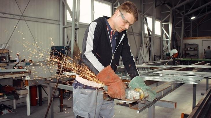 В Российской Федерации возросло число желающих получить рабочую профессию
