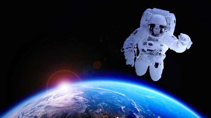 «Космическая прогулка»