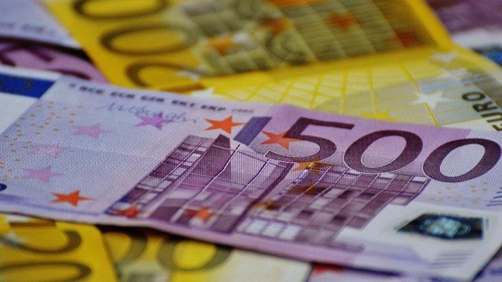 ВШвейцарии десятки тысяч евро спустили вунитаз