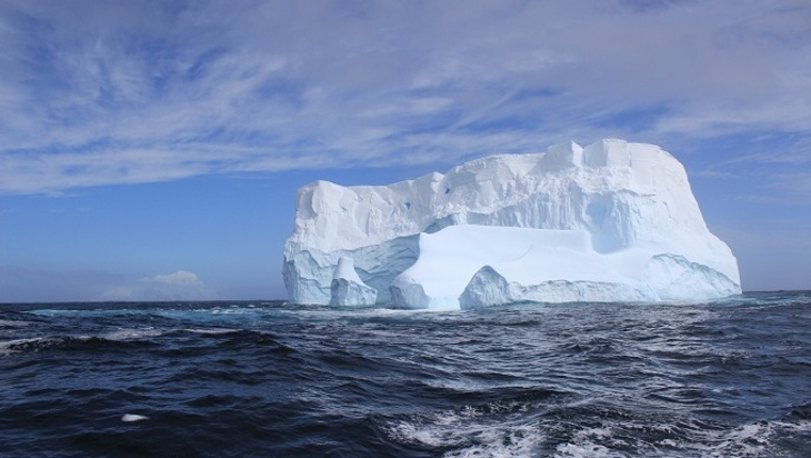 Получены снимки айсберга размером с Московскую область