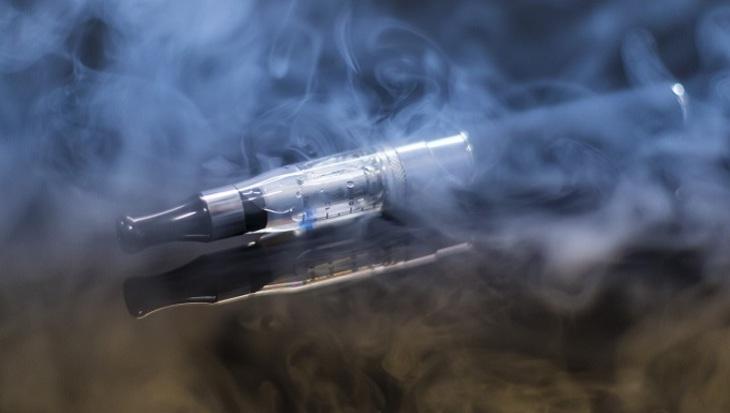 Народные избранники ЗСрешили ограничить реализацию электронных сигарет подросткам