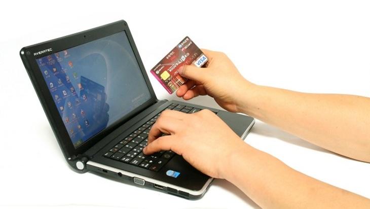 Русские мужчины стали чаще исполнять покупки в электронных магазинах