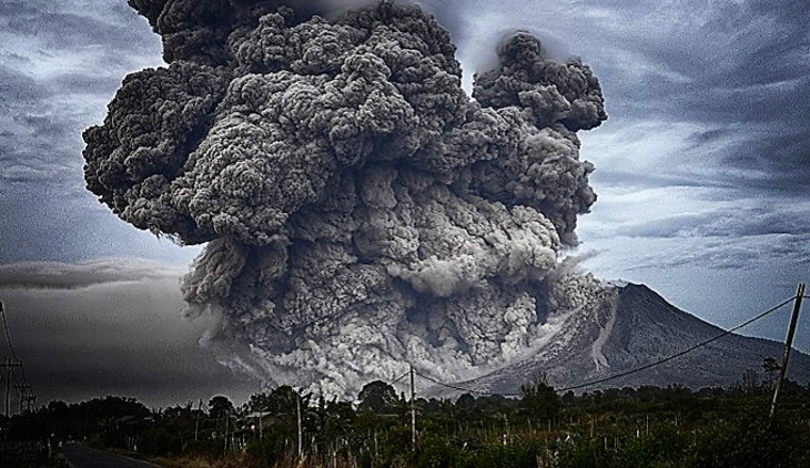 НаСуматре проснулся вулкан Синабунг