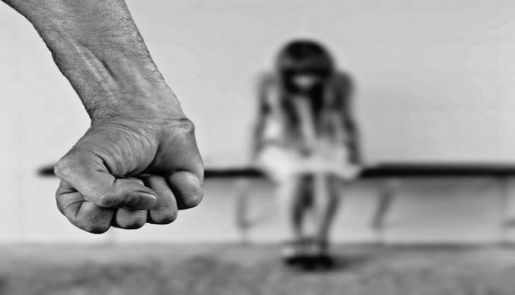 Виновным вдомашнем насилии хотят запретить приближаться кпострадавшим