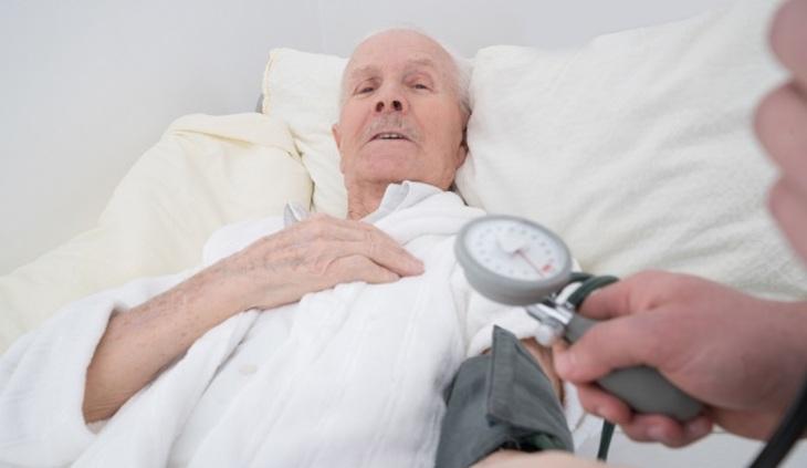 Будут ли пожилых лучше лечить?