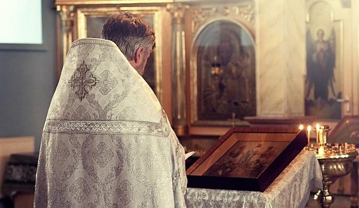 В РПЦ поддерживают приравнивание пятилетнего сожительства к официальному браку