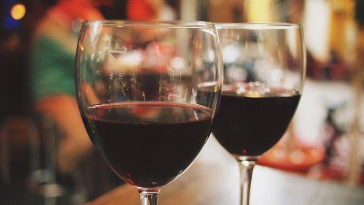 Алкоголь вызывает слабоумие