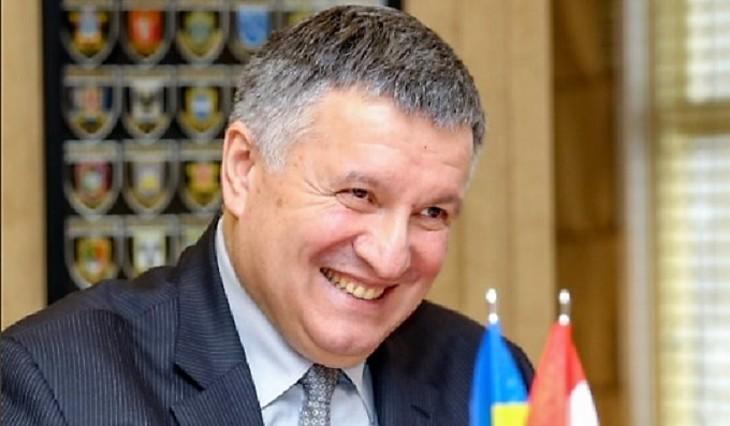 Аваков опроверг войну сПорошенко: онмне не глава