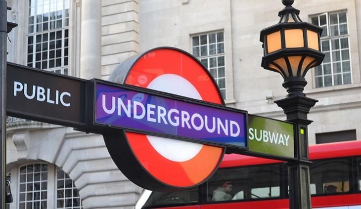 Спасение 2-х нетрезвых британцев из-под колес поезда вметро попало навидео
