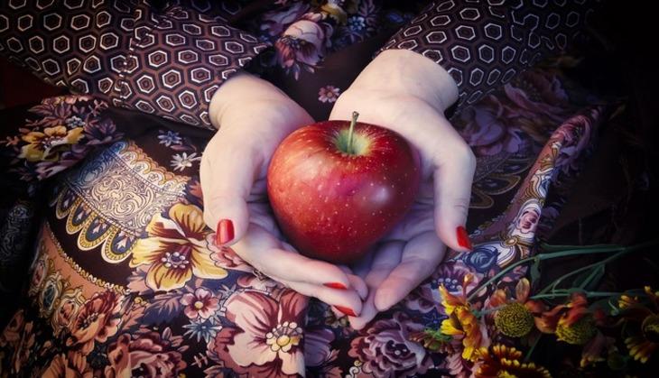 Ваэропорту США пассажирку оштрафовали на $500 из-за яблока