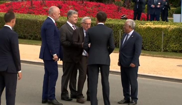 Шатающегося Юнкера увели под руки ссаммита НАТО