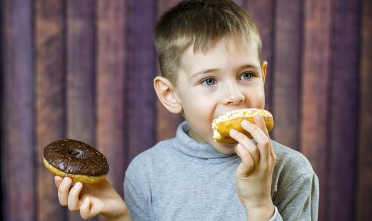 Любовь к сладостям в детстве приводит к алкоголизму во взрослой жизни