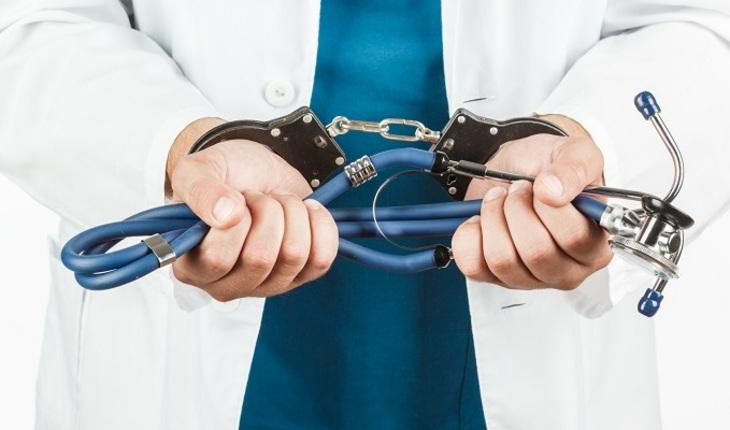 Должны ли врачи получать реальные сроки?