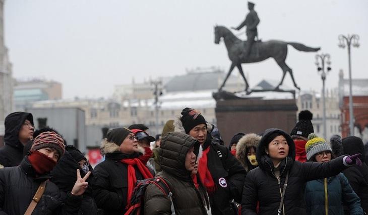 Как завлечь иностранцев в Москву? - фото