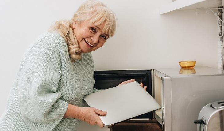 Как пенсионеру получить бесплатно бытовую технику?