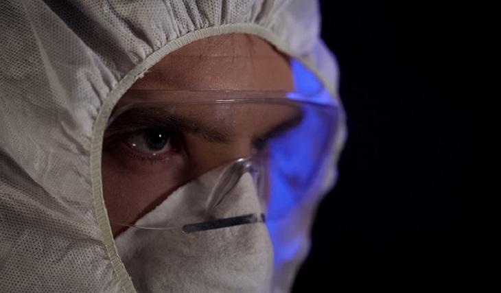 Шлем - лучшая защита от коронавируса - фото