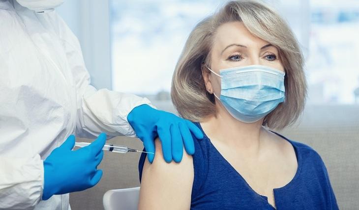 Вакцины от коронавируса: за и против - фото
