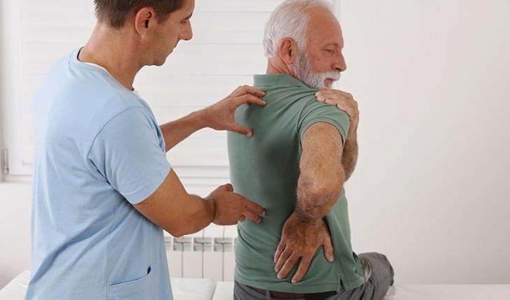 The main symptoms of rheumatism - photo