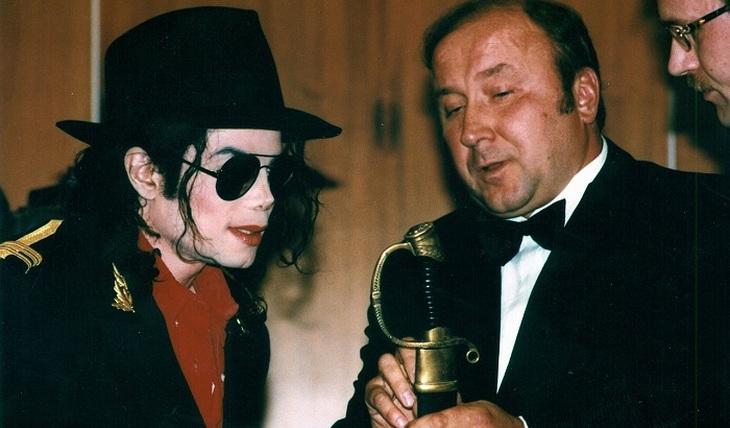 Why Michael Jackson's antique checker was taken away - photo