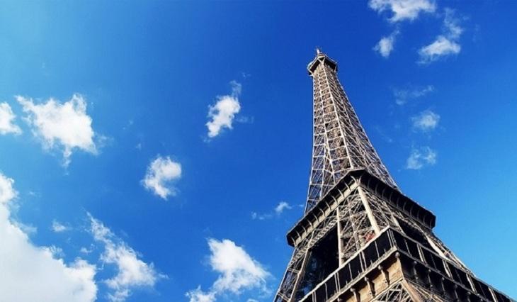 Paris slows down - photo