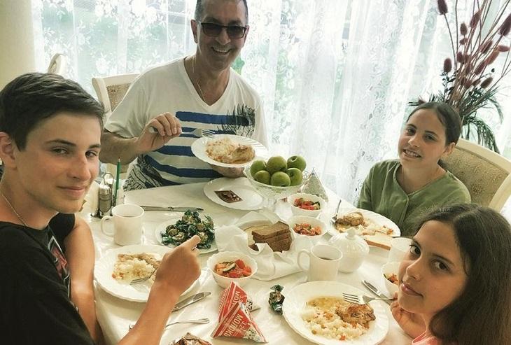 Buinov boasted of his grandchildren - photo