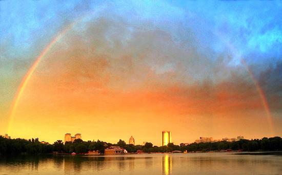 Необычная радуга в Пекине стала сенсацией