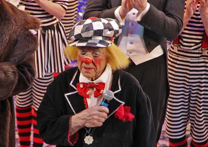 «Солнечного клоуна» Олега Попова похоронили вГермании